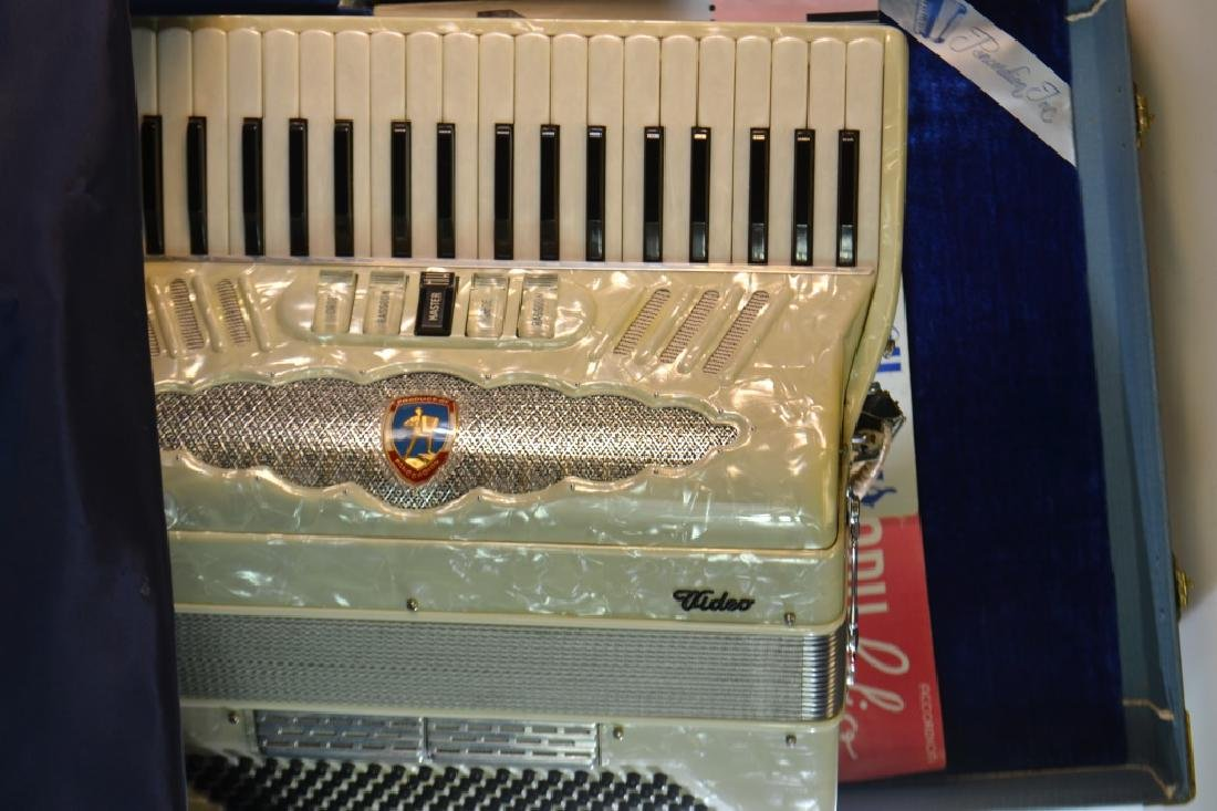 "Vintage ""Video"" Accordion - 4"