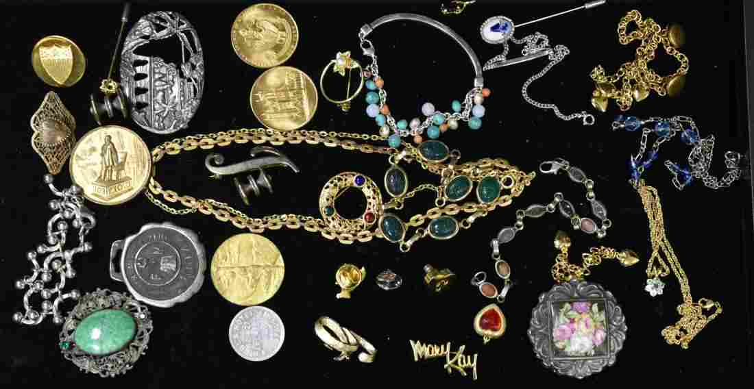 Mixed Vintage Jewelry Grouping