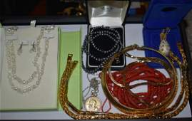 Costume Jewelry Pearls  Other Items