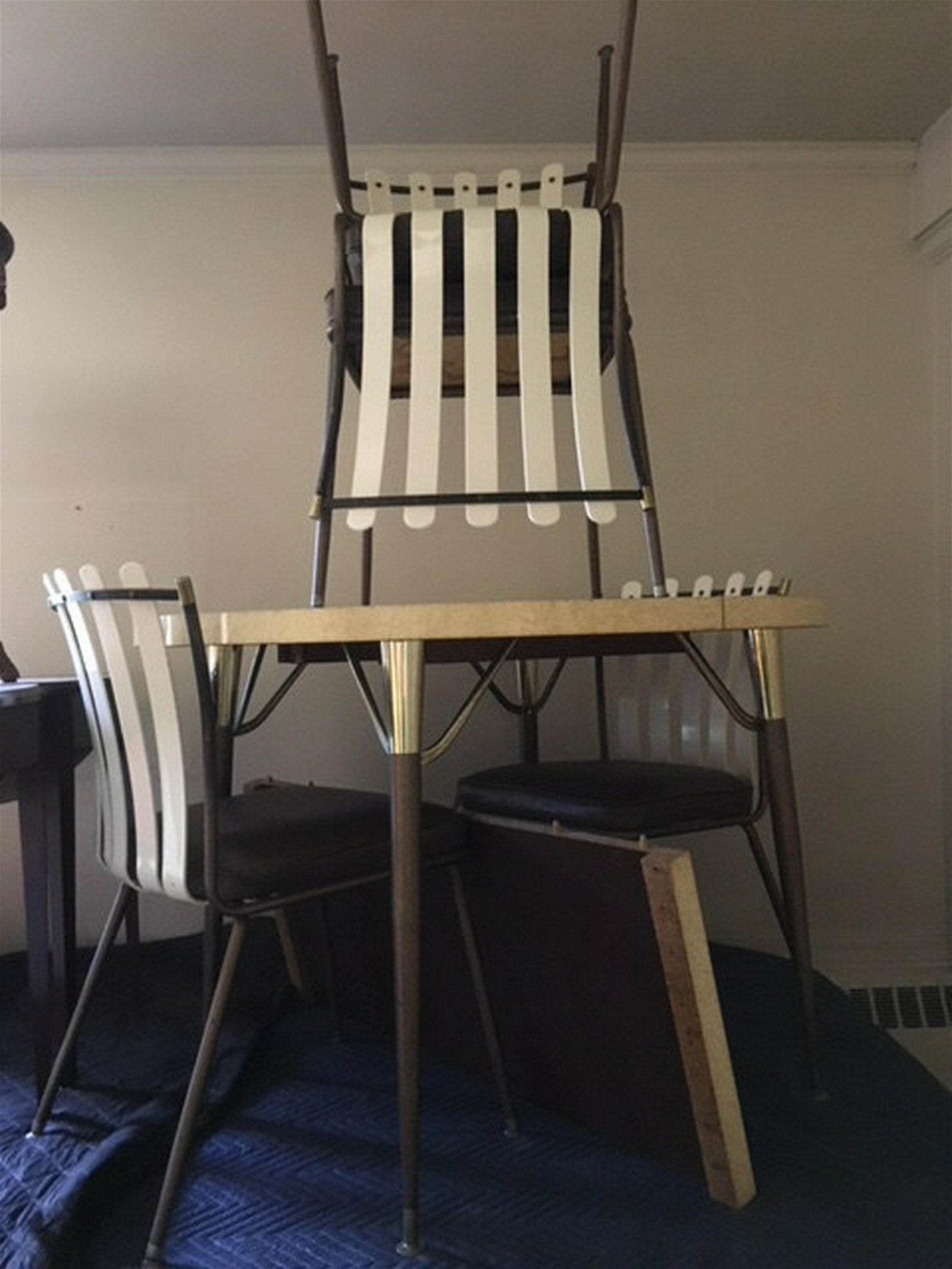 Mid Century Modern Kitchen Table and Chair Set