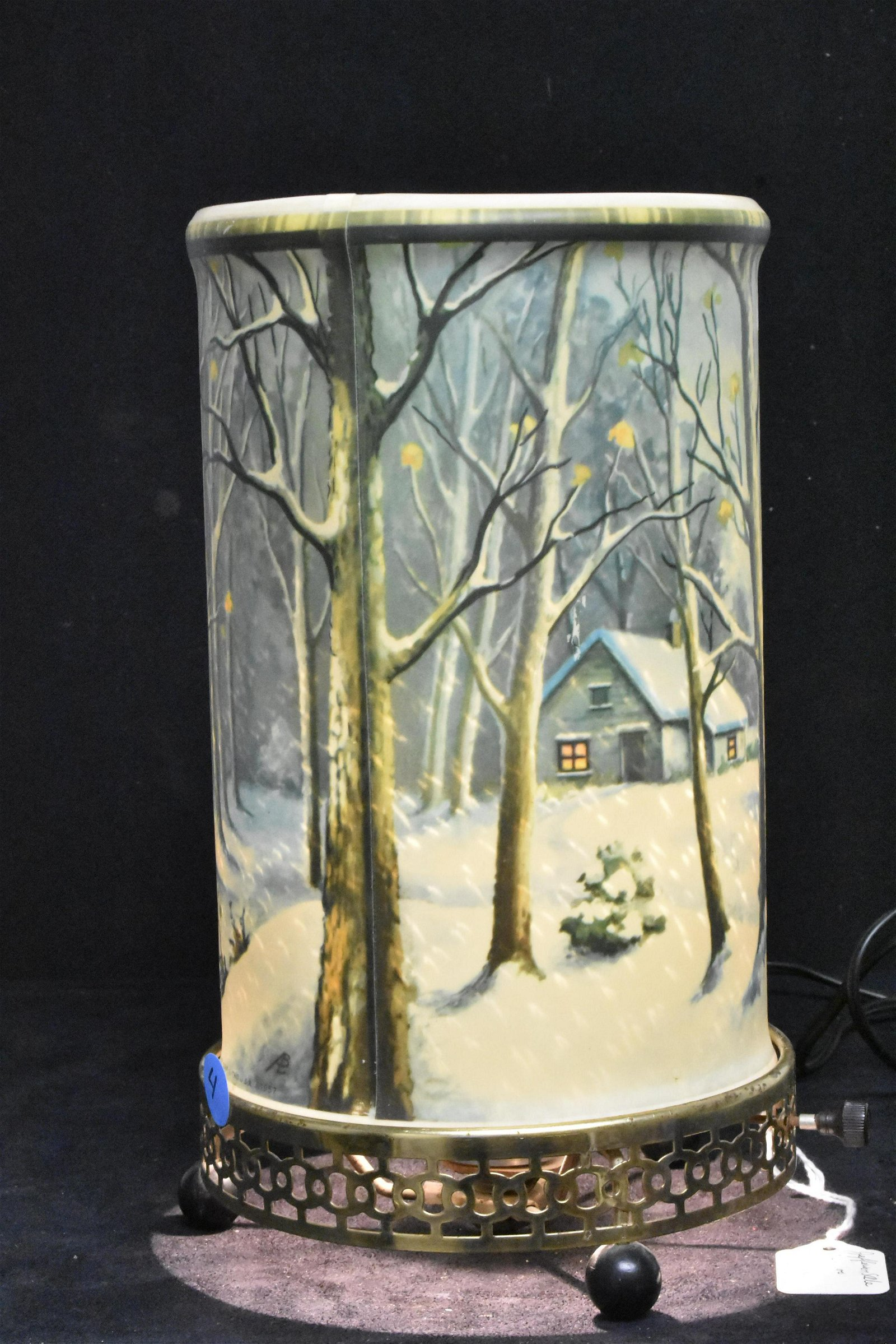 Econolite Winter Scene Motion Lamp