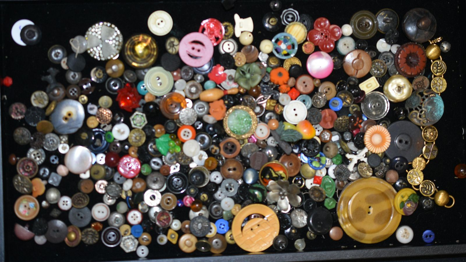 19th/20th Century Button Collection