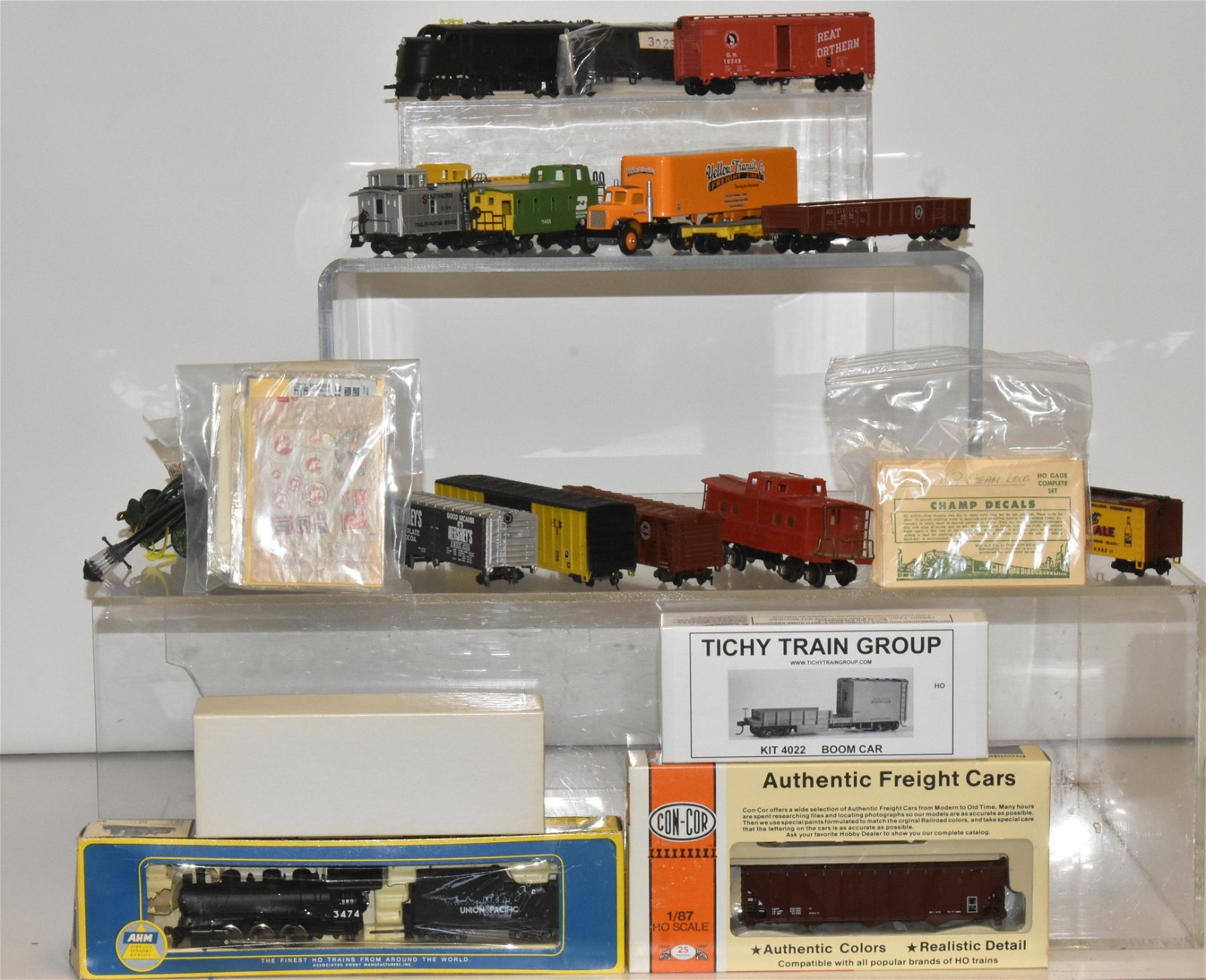 HO Gauge Trains and Accessories