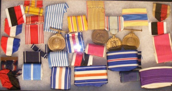 9: U.S. Metal Ribbon Stock and Medals