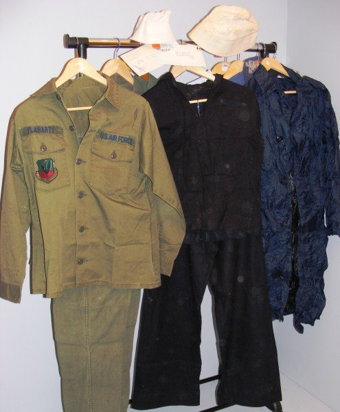 22: Air Force & Navy WWll items