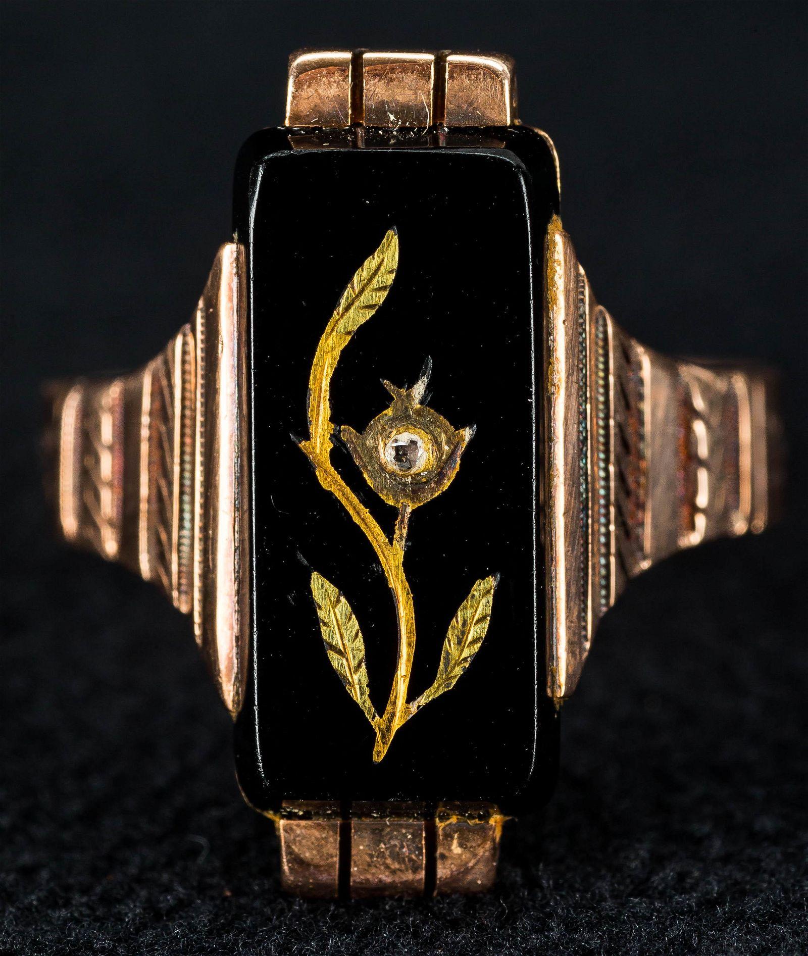 Victorian 9K Gold Ladies Ring