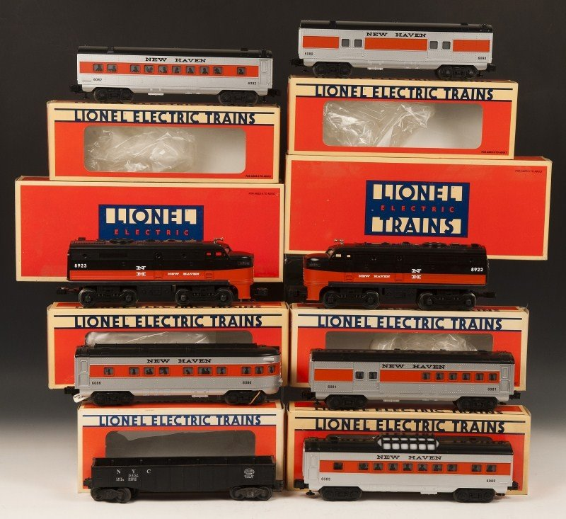 7: Lionel New Haven Engines and Cars