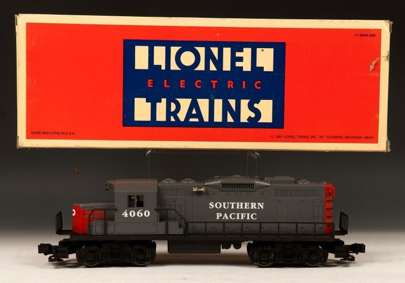 13: Lionel Southern Pacific Engine