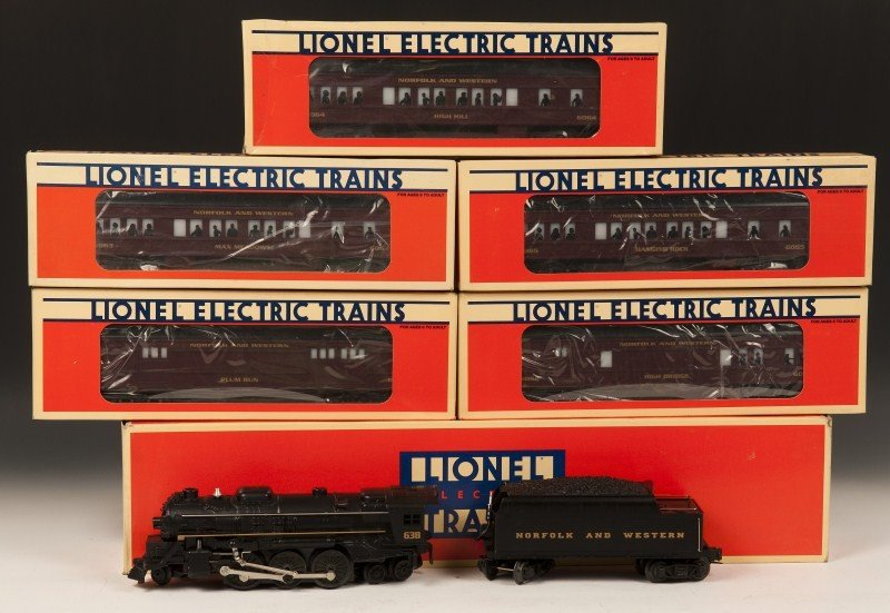 15: Lionel Norfolk & Western Locomotive and Multiple C