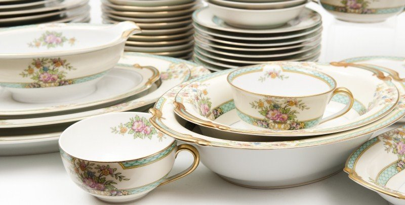 462: Noritake Cyrano Porcelain Dinnerware - 5