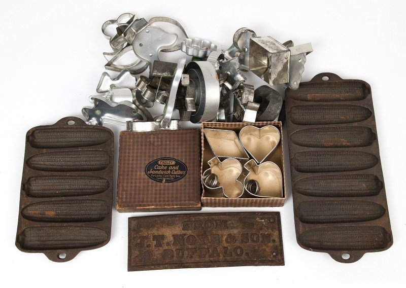 13: Cast Iron Advertising and Bakeware