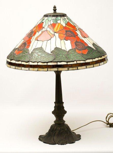 81: Tiffany Style Lamp