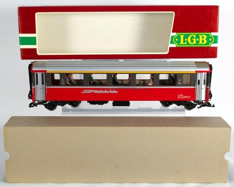 2: LGB 3067 Modern European Coach
