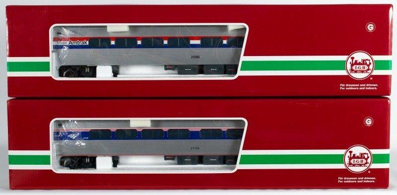 10A: Two LGB Amtrak Passenger Cars LGB 30223, LGB 33220