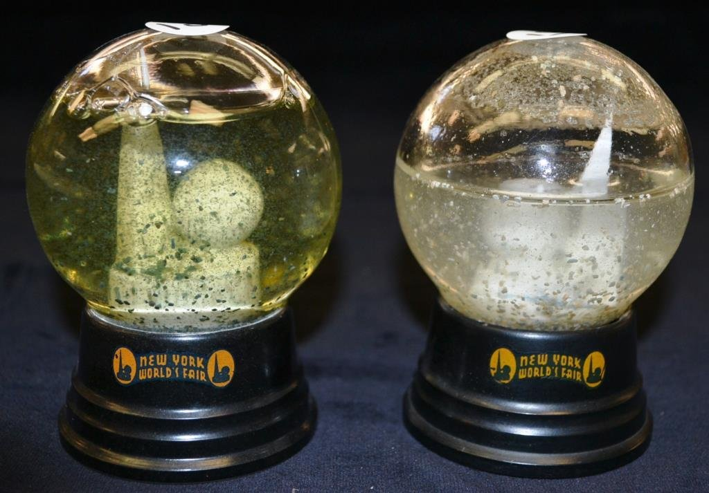 Pair of 1939 NY Worlds Fair Snow globes