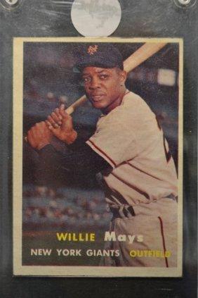 1957 Topps Willie Mays #10 Baseball Card