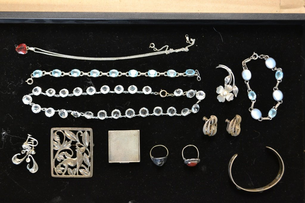 Tray of Vintage Sterling Silver Jewelry