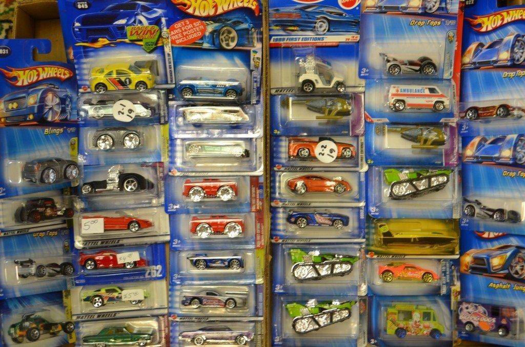 37 Hot Wheels Die Cast Cars