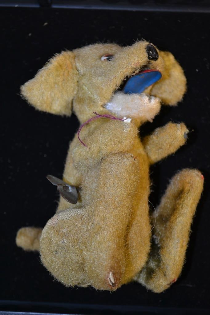 Key Wind Clock Work Schuco Barking Dog