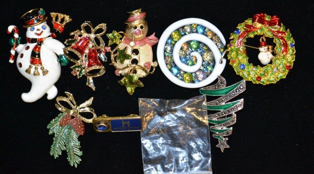 Vintage Christmas Pin Lot