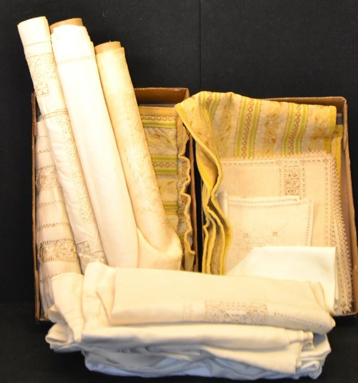 Collection of Late 19th/20th C table Linens