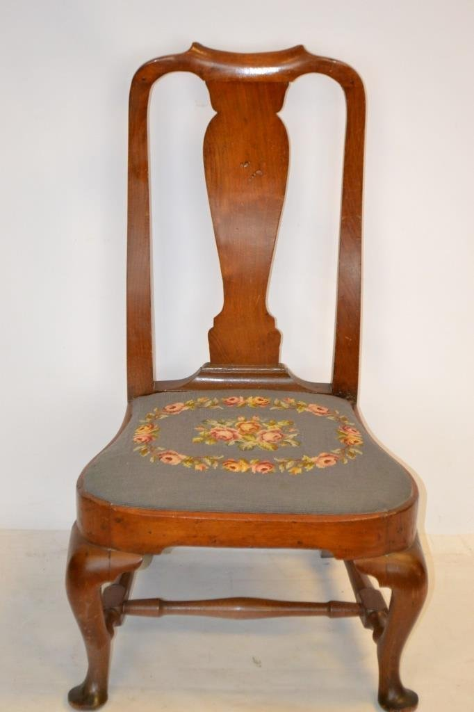 18th C Queen Anne Slipper Chair