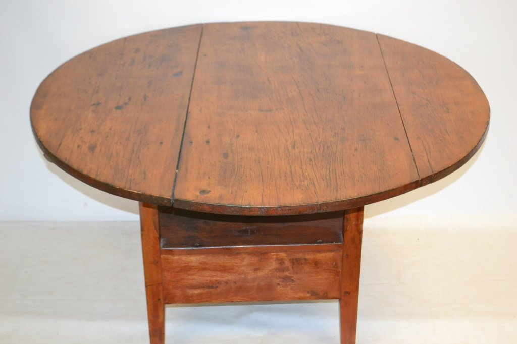 19th C Round American Bench Table - 3