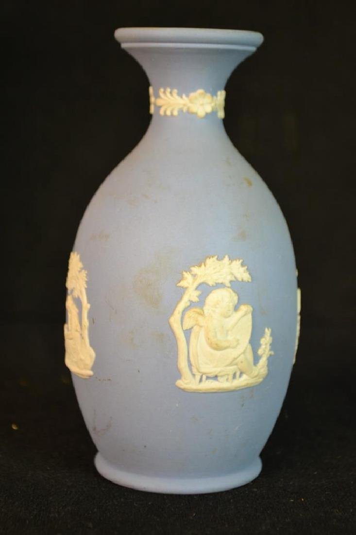 Wedgwood Jasperware and Queens Ware Vase - 5