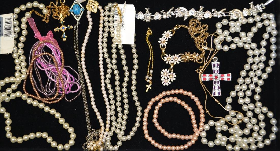 Grouping of Faux Pearls & Beaded Jewelry Lot