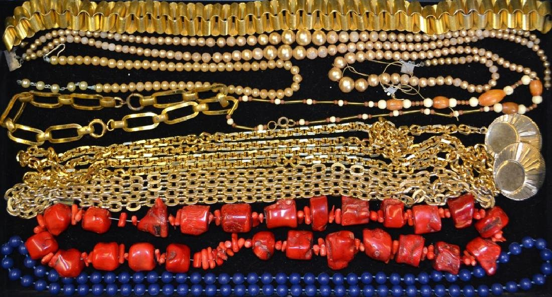 Costume Necklaces & Beaded Necklaces