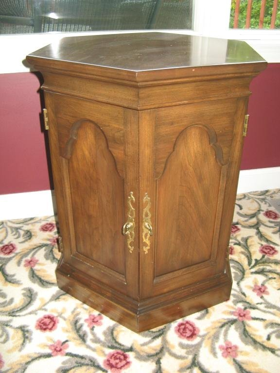 3: Pennsylvania House Octagon Stand