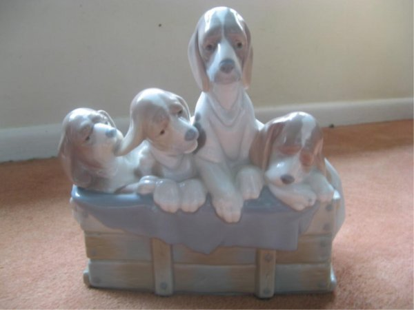 280: Large Lladro 4 Puppy Hounds Figurine