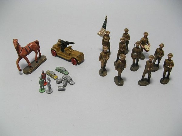 425: Lot Of Lead Toy Soldiers, Cowboys, Indian Figures - 4