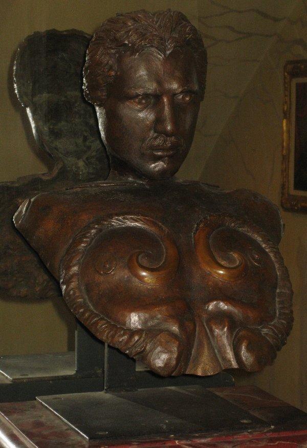 16: BARRY CANTERNA - TORSO WITH HEAD