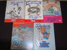 5 Los Angeles Dodgers Souvenir Year Book