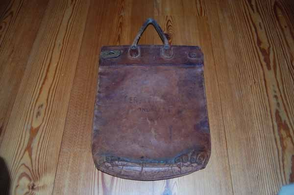 20: Gerster's leather mail bag