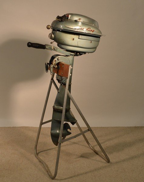 Sea King 5hp Outboard Motor with Aluminum Stand