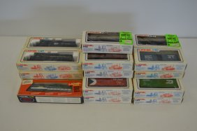 28 Lionel HO Model Trains - New in the Box