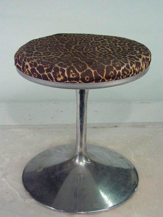 622: Vintage Leopard Print Vanity Stool with Chrome Bas