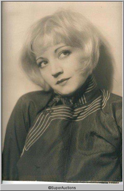 23: Alice White Portrait