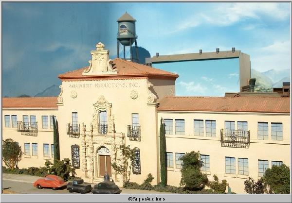 5: Paramount Movie Studio Model