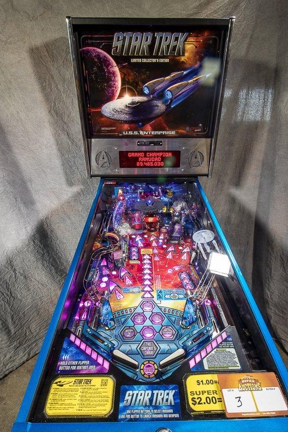STAR TREK LIMITED COLLECTOR'S EDITION PINBALL MACHINE
