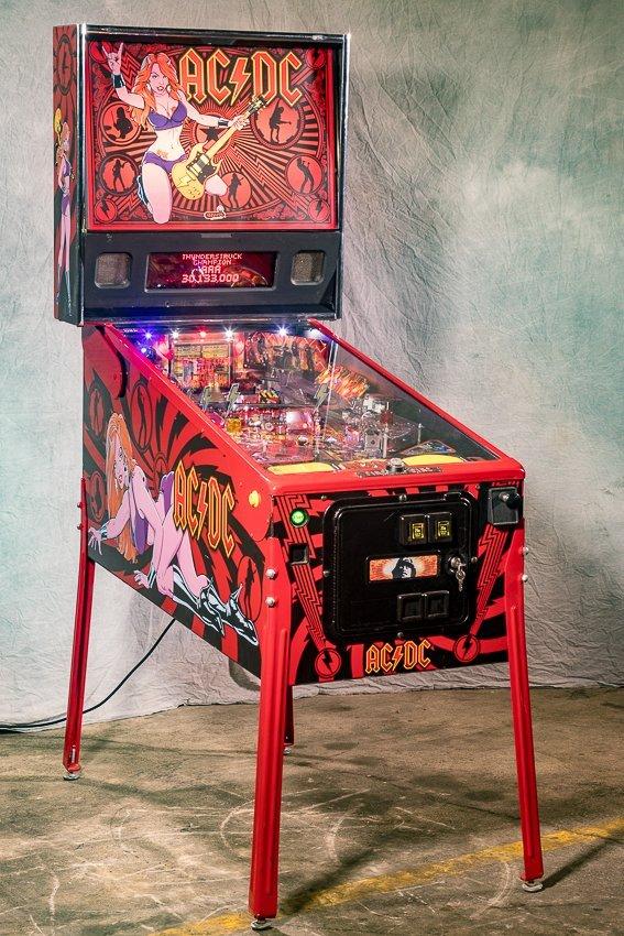 AC / DC PINBALL MACHINE