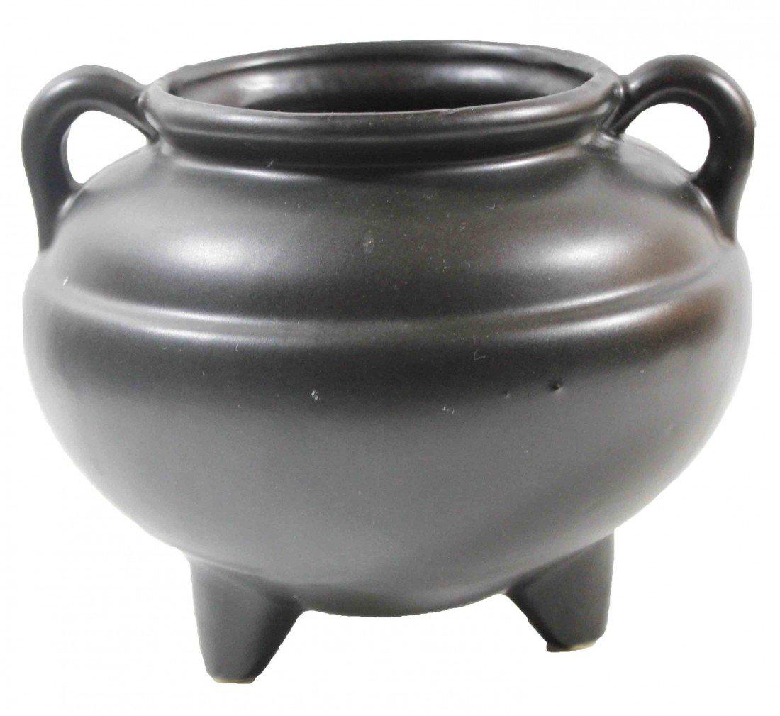 18: Roseville Black Vase with 3 Legs