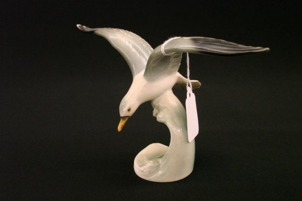 "8: Signed Goebel Bird Figurine Silver Gull, TM 4, 5"" Ht"