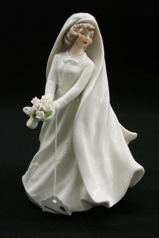 18: Signed Goebel Porcelain Bride Figurine #FF318, TM 4