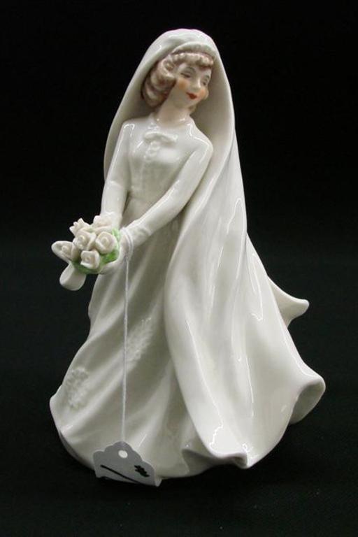 18: Signed Goebel Porcelain Bride Figurine #FF318, TM 4