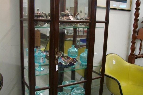 268: Ethan Allen Contemporary Lighted Curio Cabinet - 3