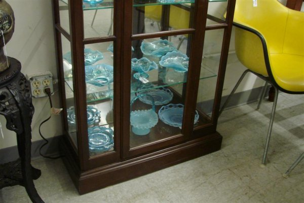 268: Ethan Allen Contemporary Lighted Curio Cabinet - 4