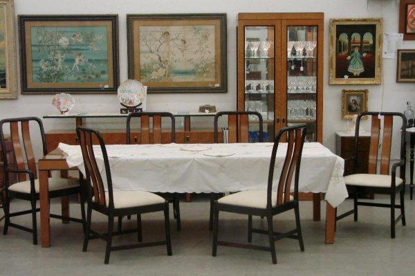 513: 11 Piece Birds Eye Maple Bernhardt Dining Room Set
